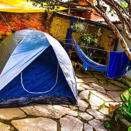 Camping Jardim Secreto Hostel