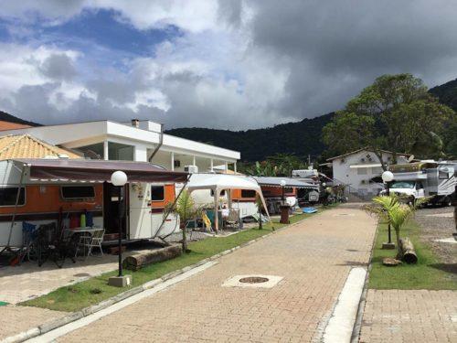 Motor Home Parking Pé na Areia-baraqueçaba-sao sebastiao-sp-5