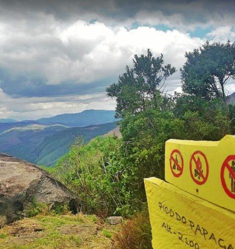 proibido acampar no mirante do Pico do Papagaio - Aiuruoca