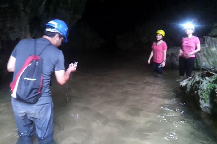 cavernaAguaSuja_zpsb9227d9e.jpg