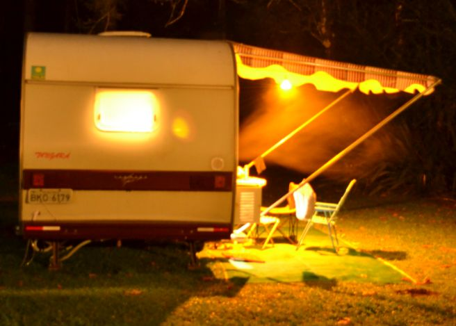 trailer acampando no frio
