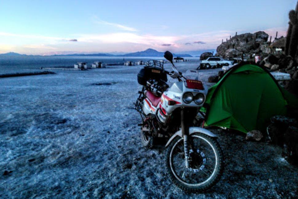 acampando de moto