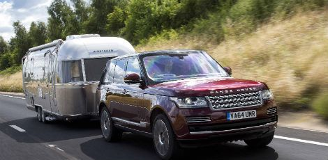 Land Rover Cria Tecnologia do Reboque Transparente