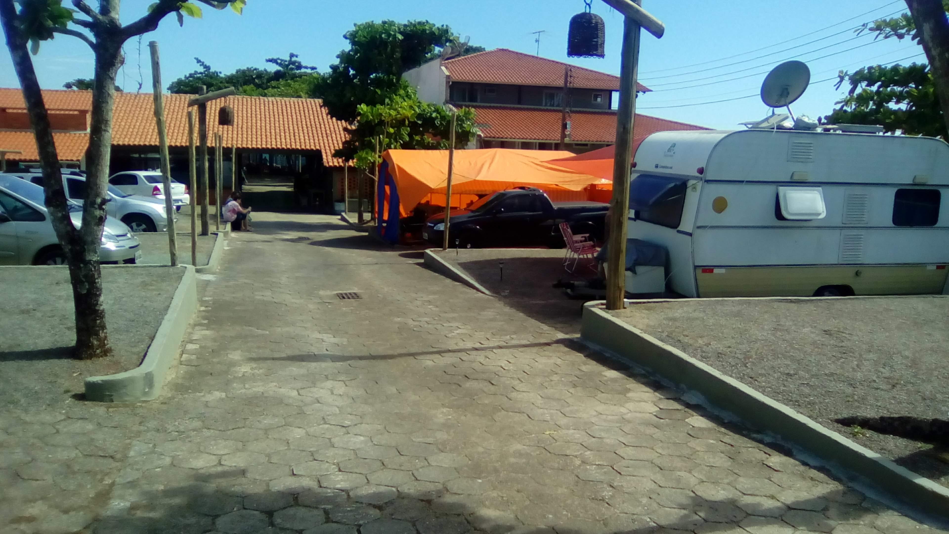 Camping Praia da Armação, e o M&Ms no seu lugar.